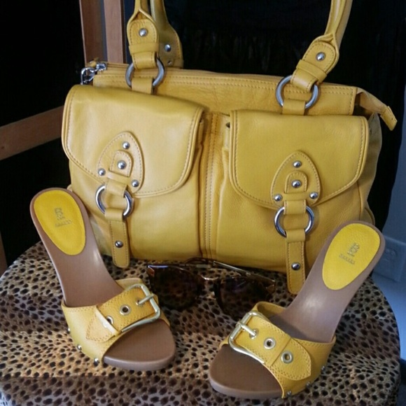 Yellow Strapless Shoes